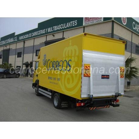 Furgon Cerrado Correos Renault Maxity con Plataforma Elevadora